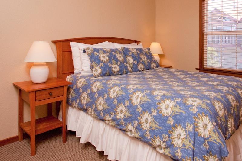 Ocean-Inn-Room-3-4