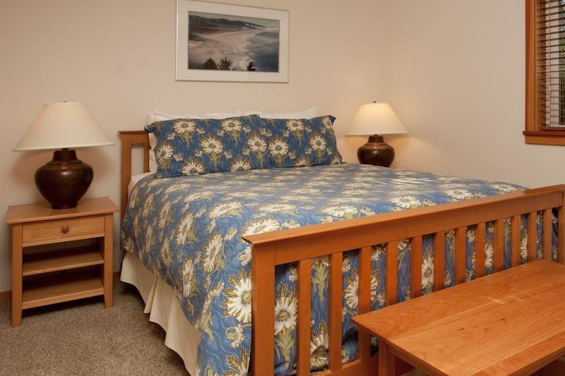 Ocean-Inn-Room-6-4